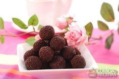 Receita de Brigadeiro tradicional em receitas de doces e sobremesas, veja essa e outras receitas aqui!