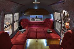 powered airstream (mobile comand center) really interesting lighting and and couch designreally interesting lighting and and couch design Airstream Remodel, Airstream Renovation, Airstream Interior, Vintage Airstream, Airstream Trailers, Vintage Caravans, Travel Trailers, Vintage Campers, Retro Campers
