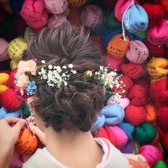 人気のお花・かすみ草を飾った花嫁ヘアアレンジ7選 | marry[マリー]