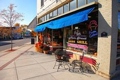 A real fountain shop with ice cream sodas on Main Street.  Photo by Scott Dommin.