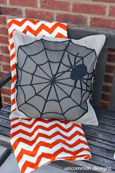 No sew halloween pillow cover by Uncommon Designs