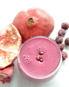 Sour Cherry and Pomegranate Detox Smoothie by blessthismess #Smoothie #Sour_Cherry #Pomegranate