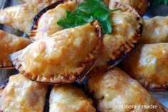 Empanadillas caseras de salmón una receta muy sencilla y sana; con pescado fresco y verduras y además va al horno y perfectas para los peques, les encantan.