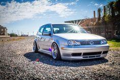 📷Photo by: ? Volkswagen Golf Mk1, Vw Mk4, Volkswagen Models, Golf Tuning, Golf Pictures, Golf Mk3, Vw Cars, Golf Fashion, Cool Cars