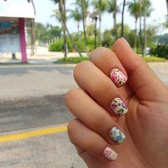 Floral Nails...❤️