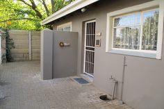 Evening Star Self Catering Flatlet Accommodation in Fichardt Park, Bloemfontein. offers modern units where you will feel at home! Our units are affordable, clean and neat. We offer a friendly and relaxed atmosphere for any occasion.