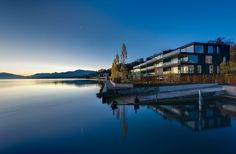 Frameless sliding doors from Sky-Frame are the key to an unbounded spatial experience with spectacular vistas. Sliding Doors, Modern Architecture, Facade, Terrace, Beach House, Mountains, Travel, Switzerland, Architecture