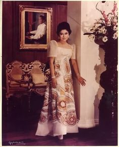 "IMELDA MARCOS at the peak of her beauty and power wears a Joe Salazar signature ""terno. Philippines Dress, Philippines Fashion, Philippines Culture, Ferdinand, Modern Filipiniana Dress, Filipiniana Wedding, Filipino Fashion, Filipino Culture, Filipina Beauty"