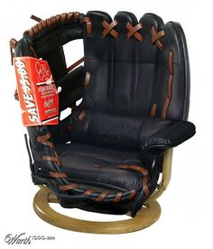 Image from http://www.awesomeinventions.com/wp-content/uploads/2015/03/man-cave-chair.jpg.