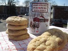 biscuits au sirop d'érable 1w Quebec, Biscuits Croustillants, Cookie Recipes, Dessert Recipes, Peach Jam, Salty Snacks, Delicious Magazine, Pure Maple Syrup, Cookies Et Biscuits