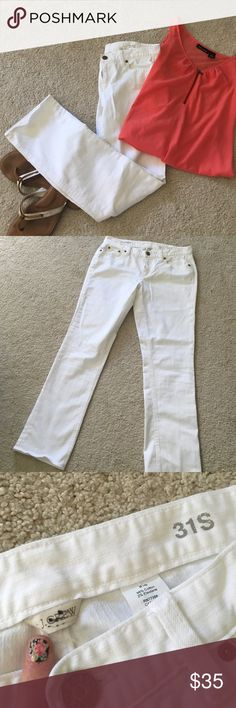J. Crew Matchstick white denim Perfect Condition! Like new! Reposh because I didn't realize these were 31 Short. Let my loss be your gain. Only flaw is a black line through the j.Crew label, highlighted in photo. J. Crew Jeans Skinny
