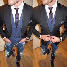 2 x details.... #menswear #mensfashion #mensfashionpost #fashion #fashionblogger #dapperman #mensbag #menwithclass #dapper #style #mensstyle #dappermen #gentleman #guyswithstyle #gq #swag #styleoftheday #instafashion #instagood #mensclothing #dapperoutfits #ootd #london #losangeles #toronto #hamburg #paris #milan #nyc #dubai by m_hoye