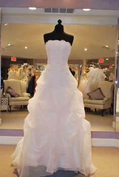 Paloma Blanca Style 3609 ivory size 6 in stock, $1200