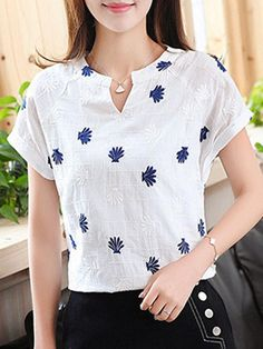 Buy split neck printed short sleeve cotton blend t-shirt online with cheap prices and discover fashion t-shirts & blouses. Rt sleeve t-shir Kurti Neck Designs, Blouse Designs, Cheap Blouses, Blouses For Women, Shirt Bluse, Stylish Tops, Short Tops, Blouse Styles, Printed Shorts
