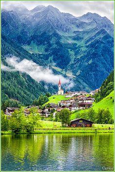 Selva dei Molini (Mühlwald) lago di Meggina, Italy
