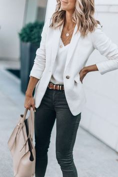 Office casual outfit - 40 Trendy Work Attire & Office Outfits For Business Women Classy Workwear for Professional Look Office Outfits Women, Summer Work Outfits, Casual Work Outfits, Mode Outfits, Work Attire, Work Casual, Fashion Outfits, Casual Office, Dress Attire