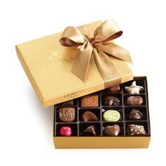 GODIVA Chocolatier Gold Ballotin Classic Gold Ribbon 19 Pieces - http://bestchocolateshop.com/godiva-chocolatier-gold-ballotin-classic-gold-ribbon-19-pieces/