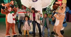SeaWorld's Christmas Celebration - November 23 - December 2019 Elmo Christmas, Christmas Countdown, Christmas Wishes, Florida Theme Parks, 23 December, Seaworld Orlando, Sparkling Lights, Sea World, Walt Disney World