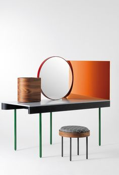 A penteadeira revisitada - Doshi Levien's Chandlo dressing table and stool.
