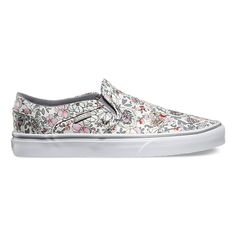 The Vintage Floral Asher is a slip-on silhouette featuring sturdy canvas uppers with an allover floral print, vulcanized construction, and signature rubber waffle outsoles.