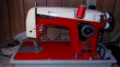 Vintage sewing machine collectors have their own jargon. This article will help new enthusiasts to pick up quickly on VSM lingo.