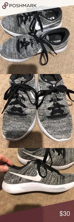 Nike women's flyknits lunarlon 5.5 Women's Nike flyknits lunarlon - the most comfortable shoes Nike makes. Size 5.5, excellent used condition. Nike Shoes Sneakers