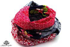 Rotes Tuch mit Dunkelblau: Loop - Schal aus reiner Baumwolle von #Lieblingsmanufaktur