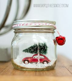 Christmas Crafts - Car in a Jar Snow Globe by Mason Jar Crafts Love and other great DIY holiday dec. Mason Jar Christmas Crafts, Noel Christmas, Mason Jar Crafts, Mason Jar Diy, Christmas Projects, Holiday Crafts, Christmas Decorations, Christmas Cactus, Vintage Christmas Crafts