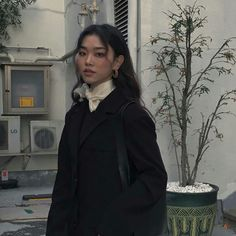 Korean Fashion – How to Dress up Korean Style – Designer Fashion Tips Aesthetic Girl, Aesthetic Clothes, Aesthetic Makeup, Ulzzang Girl Fashion, Pretty People, Beautiful People, 40s Mode, Look Fashion, Fashion Outfits