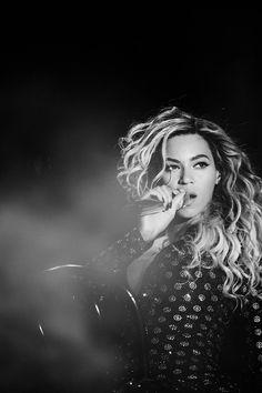 Beyoncé www.thesocialblackbook.wordpress.com