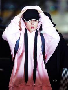 Incheon, Worldwide Handsome, Bts Jin, Seokjin, Rain Jacket, Windbreaker, Handsome Man, Guys, Jackets