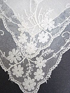 FRENCH LACE HANKY