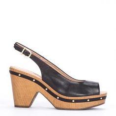 Peeptoes Weekend by Pedro Miralles en piel color negro #shoes #ss16 #inspiration  #shoeporn #sandals #zapatos #moda #calzado #madeinspain