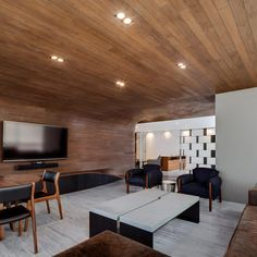 4-family room3_wooden object_MAPmx