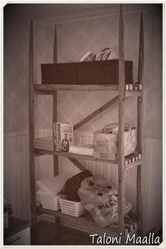 Taloni Maalla: Heinäseipäät hyllyksi! Ladder Bookcase, Country Life, Shelves, Wood, Lifestyle, Crafts, Diy Things, Home Decor, Dreams