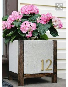 DIY Planter Box (Paver Planter) Tutorial and Tips Home Depot DIY paver planter - includes materials list amp; step-by-step instructionsHome Depot DIY paver planter - includes materials list amp; step-by-step instructions Diy Planter Box, Diy Planters, Garden Planters, Planter Ideas, Porch Planter, Diy Concrete Planters, Fall Planters, Outdoor Projects, Garden Projects