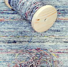 Greetje van Tiem originally posted about newspaper yarn. she also makes what looks like newspaper thread! i wonder if you could really sew with it. Recycle Newspaper, Newspaper Crafts, Old Newspaper, Textiles, Diy Accessoires, Wicker Furniture, Wicker Dresser, Wicker Couch, Wicker Headboard