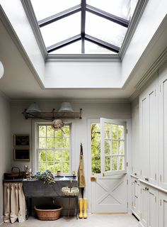 The June issue of House Beautiful was a little bland and not very memorable either way. If I were you and not a subscriber,   I ...