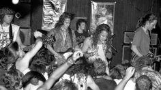 """+++Pearl Jam - Pearl Jam: Alive+++ *Alive*: la """"monster hit"""" nata da una canzone che non piaceva a nessuno. http://hvsr.net/speciali/andy-wood/pearl-jam-alive"""