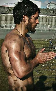 Henry :-) oh my god! I want to bathe with him all of a sudden!!! Batman Vs Superman, Superman Henry Cavill, The Tudors, Charles Brandon, Clark Kent, Man Of Steel, Gentleman, Love Henry, Marlon Teixeira