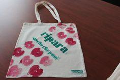 ripara quello che puoi bag o2italia Shopper Bag, Bago, Reusable Tote Bags, Homemade, Home Made, Diy