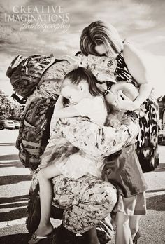 Homecoming Photography | Military | Camp Lejeune Creative Imaginations. This will be us at our next deployment :)
