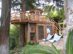 A treehouse in Los Angeles « The Treehouse Guy. On ground floor is a writing desk, sleeping loft, & play area.