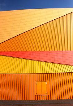 Agora Theater in Lelystad, een ontwerp van architect Ben van Berkel. By Frits de Jong, via Flickr