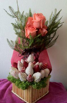 Rosas y frutillas 05