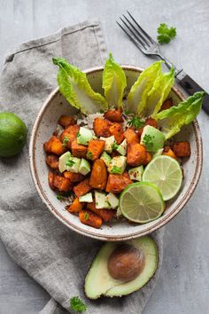 Buddha Bowl with Roasted Sweet Potatoes + Tchibo Knife Test Easy Smoothie Recipes, Clean Recipes, Easy Healthy Recipes, Vegetarian Recipes, Veggie Smoothies, Clean Eating, Healthy Eating, Healthy Food, Vegetarian