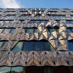 DOUBLE SKIN FACADE GUARDRAIL - origami building - manuelle gautrand