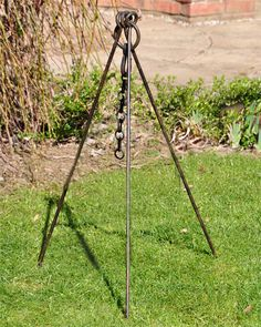 Cooking Tripod with Chain - Kadai - This Cooking Tripod with Chain is great for cooking outdoors. This is part of our Kadai range and fits perfectly on the Kadai Fire Bowls,