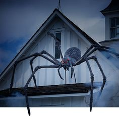 Here are over 40 timeless Halloween ideas and DIY projects. Planning a haunted house this year? From spiders to pumpkins to scary scarecrows, here are tons of ideas for your costumes, home, and yar… Halloween Spider, Halloween House, Halloween Diy, Home Depot Halloween Decorations, Scary Scarecrow, Giant Spider, Witch House, Outdoor Halloween, Fun Crafts