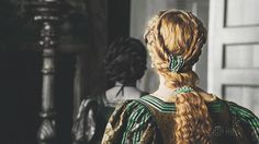 Blog dedicated to the dresses and hairstyles of the ladies in the Showtime TV series, The Borgias....